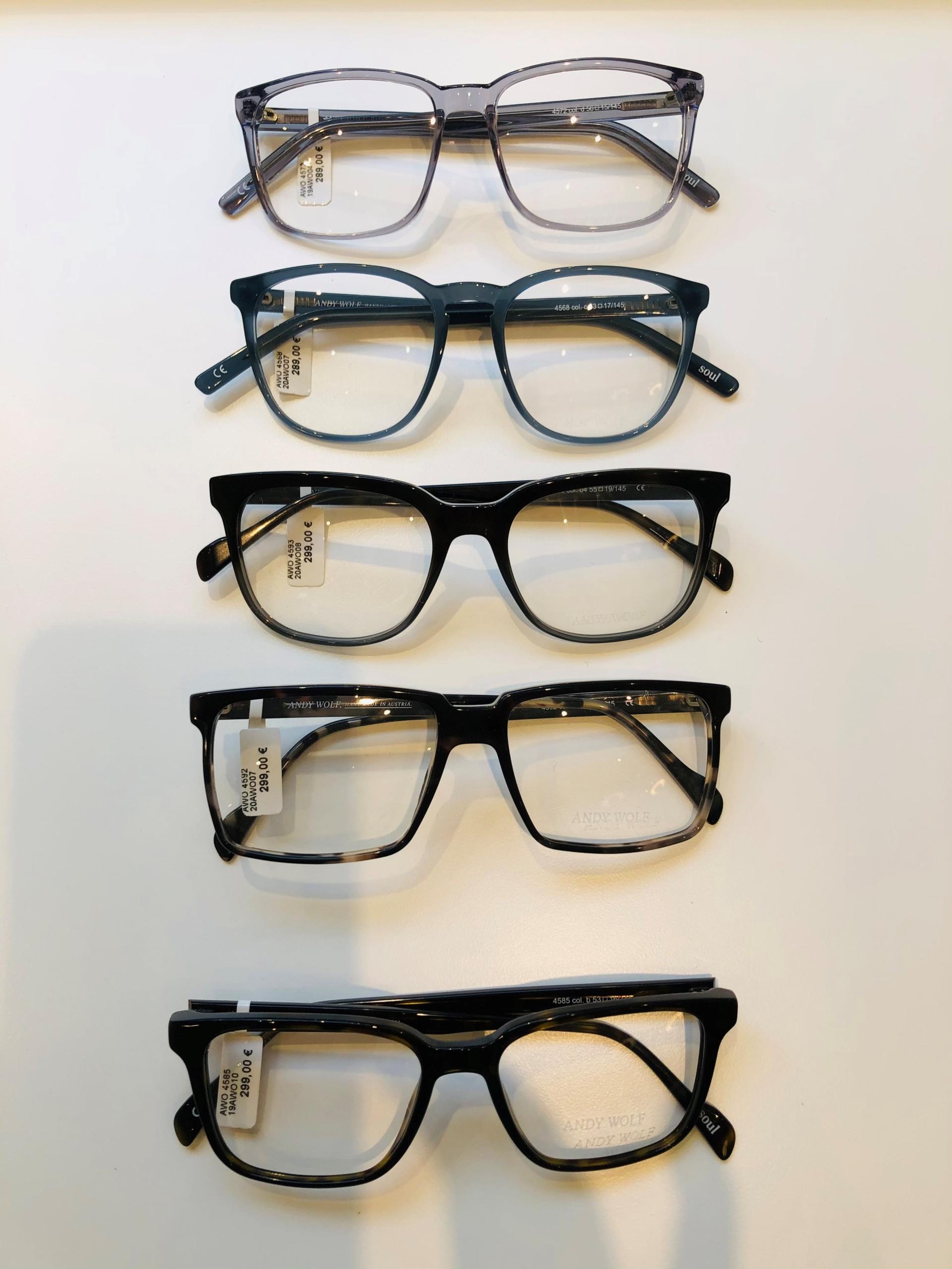 3_Schaufenster online_02122020_Optiker Augensache Brille Kontaktlinse Friedberg_ANDY WOLF_YOUMAWO