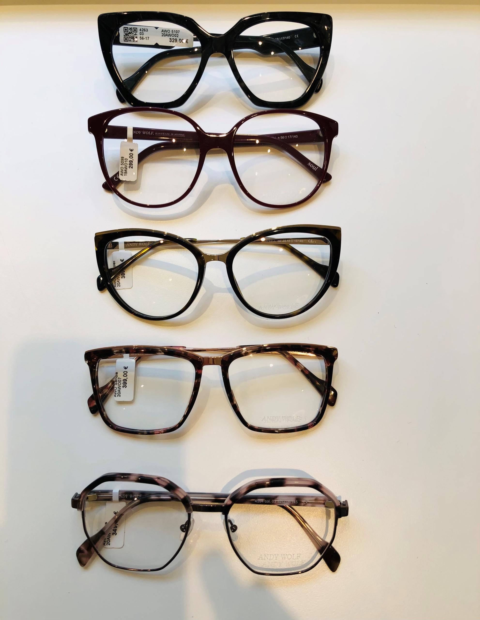 4_Schaufenster online_02122020_Optiker Augensache Brille Kontaktlinse Friedberg_ANDY WOLF_YOUMAWO
