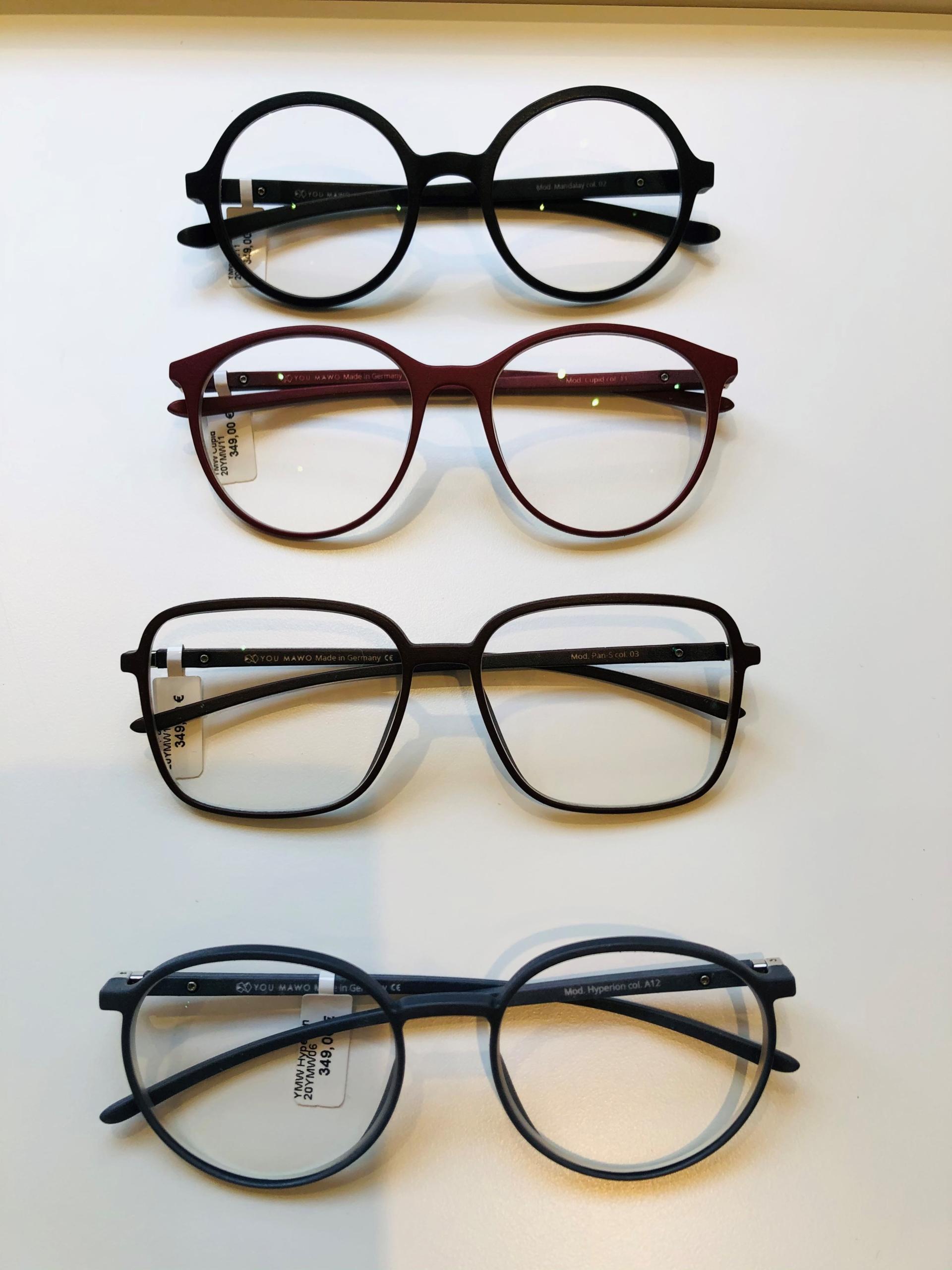 9_Schaufenster online_02122020_Optiker Augensache Brille Kontaktlinse Friedberg_ANDY WOLF_YOUMAWO
