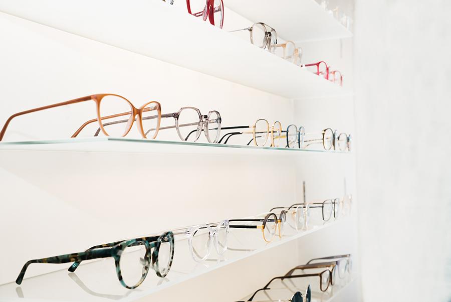 brillenkauf-jugendliche-zwischenwelt by Augensache Optiker Friedberg Brille Kontaktlinse